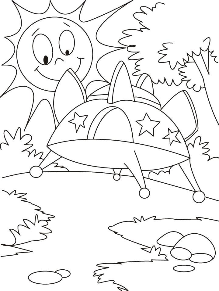 Нло приземлилось среди деревьев Раскраски для мальчиков