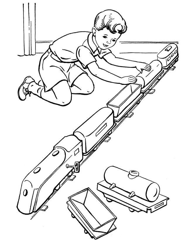 Мальчик играет с поездом Распечатать раскраски для мальчиков